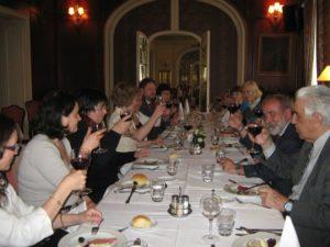ресторан Аэроклуба - участники за столом