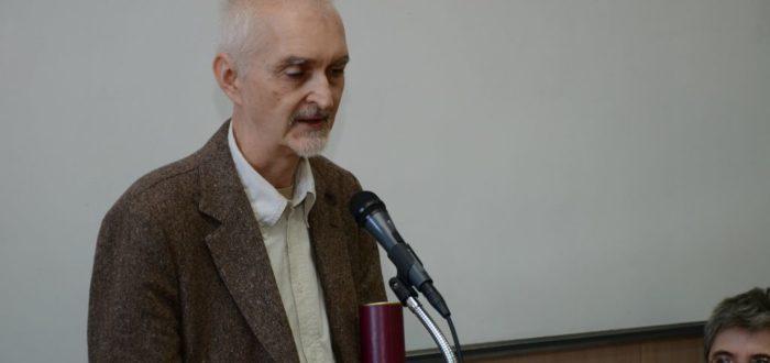 Александар Лома захваљује на награди