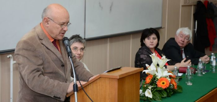Богдан Косановић чита образложење одбора за доделу повеље