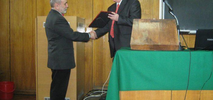 12 января 2012 г. Открытие встречи: участников приветствует Ю. А. Горячев